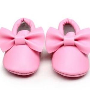 Other - 🐰 Easter 🐣 Girls Pink bow baby soft sole moccs